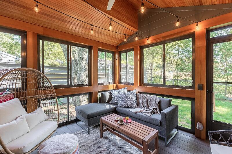ALBE17101-SCREENED-PORCH-FROM-KITCHEN