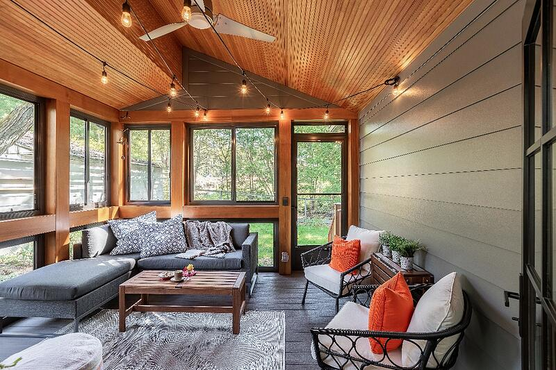ALBE17101-SCREENED-PORCH-FROM-NORTH-WALL