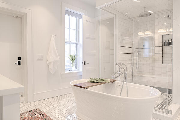 FRIE18046 TUB AND SHOWER 3