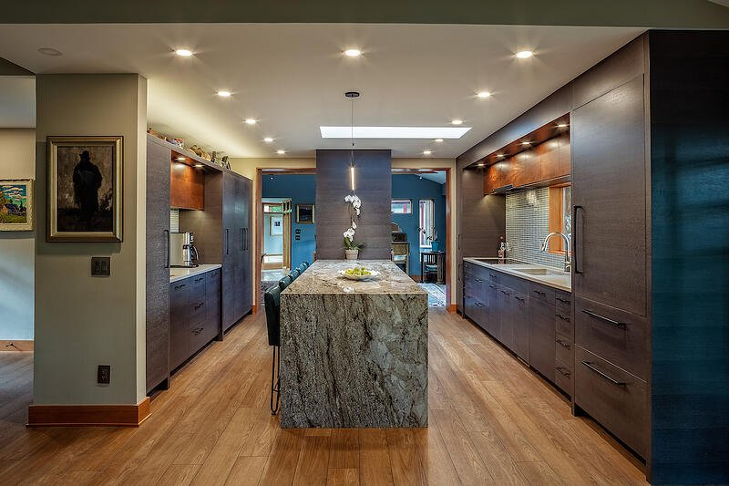 FUGE19004-KITCHEN-STRAIGHT-ON-FROM-GREAT-ROOM