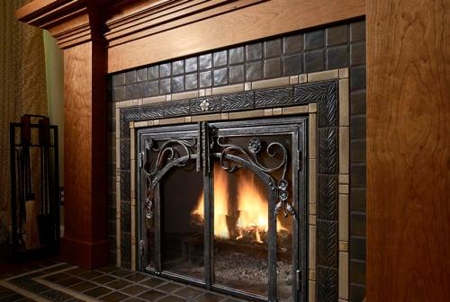 SEY_fireplace-detail-020-dc4-500x336