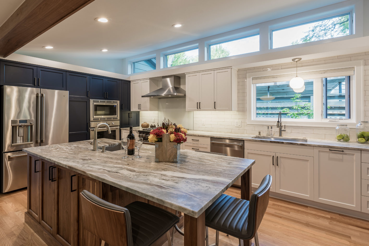 ALBE17102-KITCHEN-ADDITION-3-COLOR-CABINETS-CLERESTORY-NAVY-WHITE