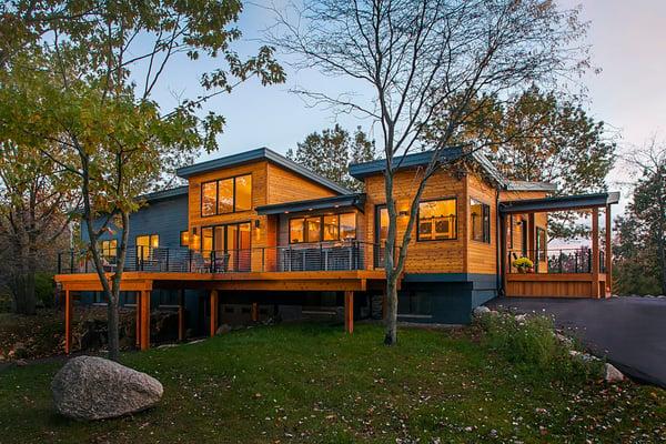 Front-Twilight-Shot-Of-Meadowlark-Design-Build-Contemporary-Home-1536x1024-1