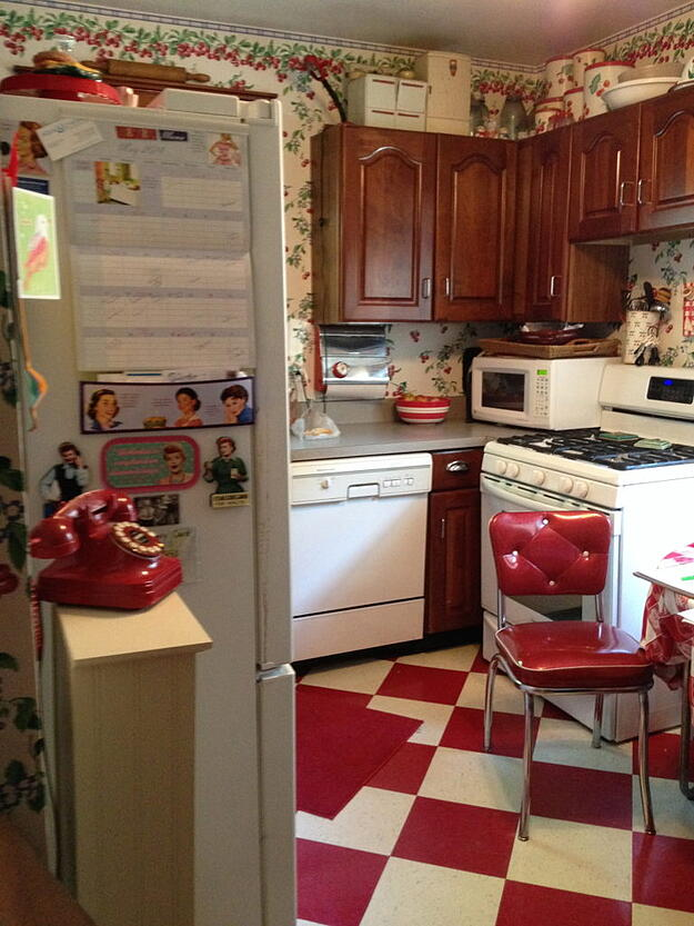 Small historic kitchen before remodel
