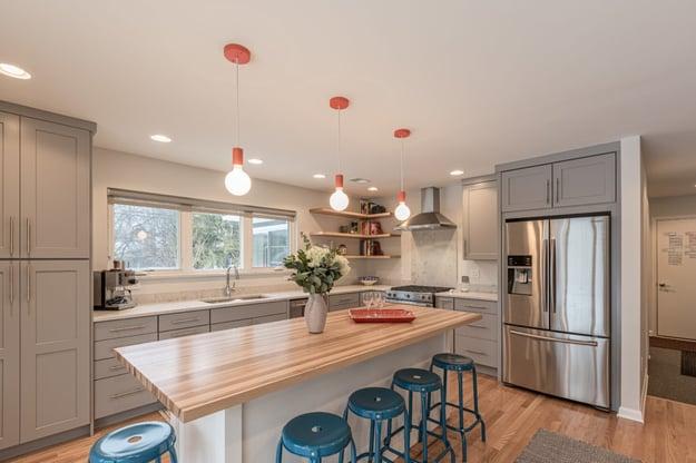 contrasting kitchen island